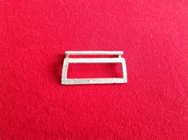 Dinky Toys 195 Range Rover Fire Chief rear window frame (Each)